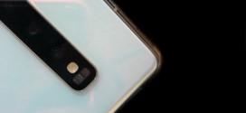 Le Samsung Galaxy S10 s'exhibe en blanc nacré