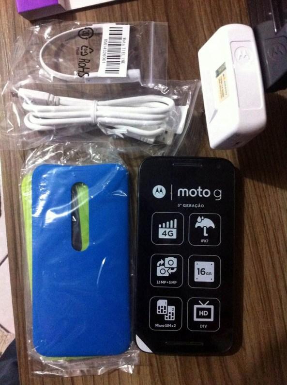 1Moto-G-2015-box-contents
