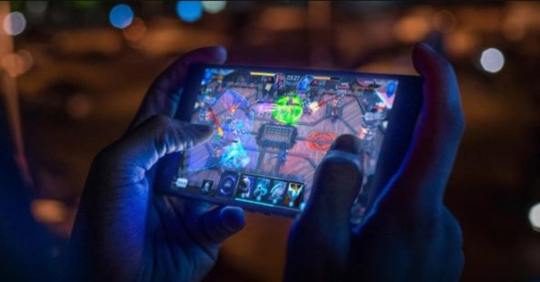 1Razer-Phone-2-game