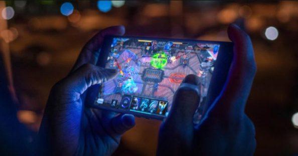 1Razer-Phone-2-game
