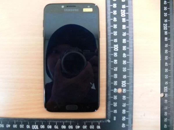 1Samsung-Galaxy-J4-Display