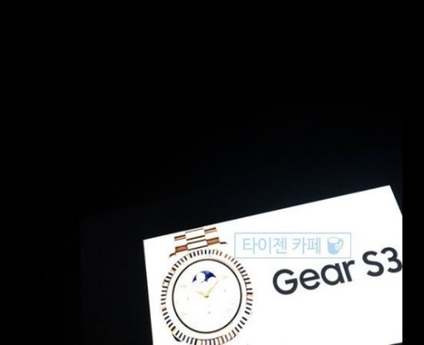 1_Samsung_Gear_S3_01