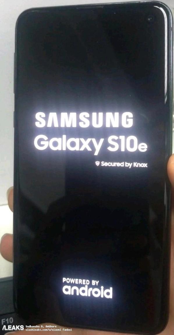 1galaxy-s10e-screen