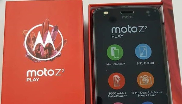 1moto-z2-play-box