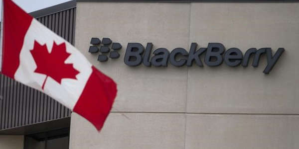 BlackBerry : un phablet, un OS, une appli et des licenciements
