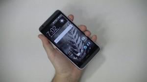 HTC Desire 820 - vue 01