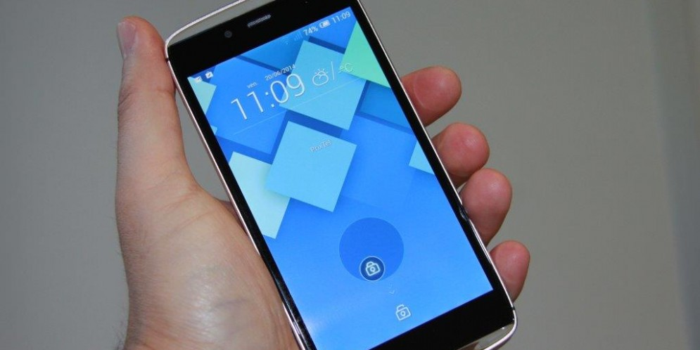 Test de l'Alcatel One Touch Idol Alpha : belle carrosserie, petit moteur…