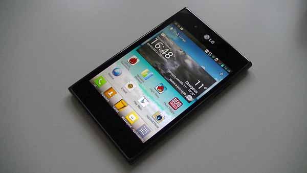Test du LG Optimus Vu (P895) : un phablet avec de vrais ...