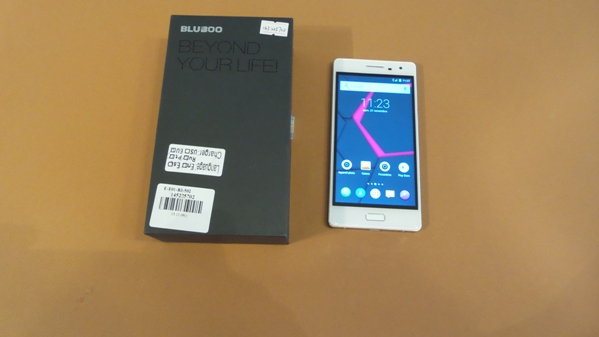 bluboo xtouch - vue 10