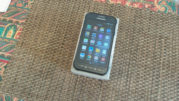 samsung galaxy xcover 3 - vue 11