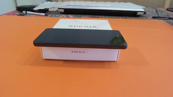 sony-xperia-e5-vue-08