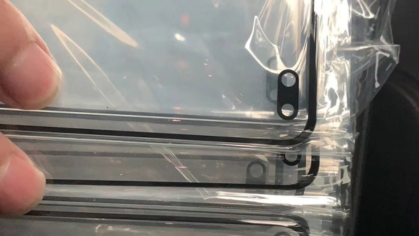 1Galaxy-S10-screen protector