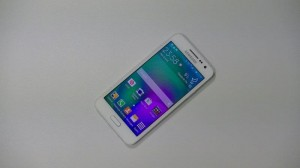 Samsung Galaxy A3 - vue 02