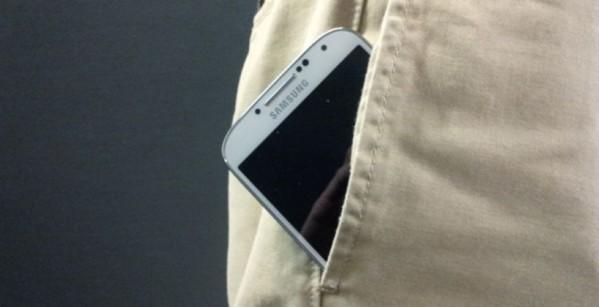 smartphone-pants-820x420