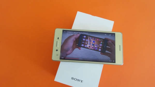 sony-xperia-x-vue-17
